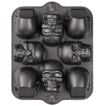 Wilton Dimensions 3-D Mini Skull Pan