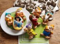 Nordic Ware Snow White & The Seven Dwarfs Cakelet Pan