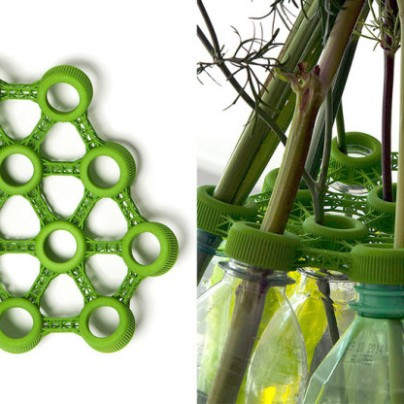 This 3D-Printed Water Bottles Into a Vase